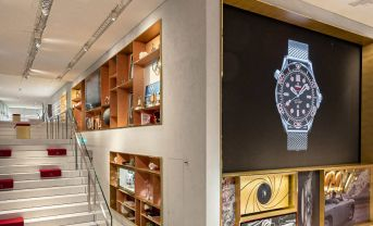 OMEGA Boutiqe at Zurich Airport - The Circle